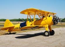 Żółty klasyczny statku powietrznego Obrazy Royalty Free