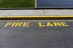 Żółty pożarniczy pas ruchu Fotografia Royalty Free