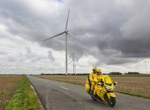 Żółty rower - wycieczki turysyczne 2017 Obrazy Royalty Free
