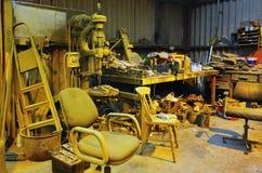 Żółty warsztatowy chaos zdjęcie stock