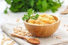 Żółtych grochów puree z warzywami zdjęcie royalty free