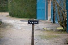Żadny Acccess podpisuje wewnątrz Angielskiego kraju ogród Zdjęcie Stock