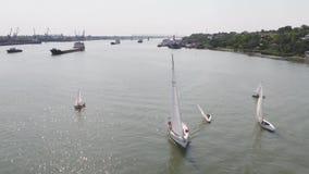 Żaglówki schronienie z ogromną liczbą żeglowanie łodzie Żeglować schronienie antena zbiory wideo