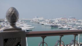 Żagli jachty w porcie morskim zdjęcie wideo