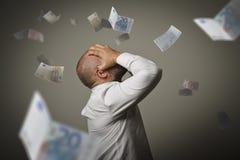 żal Mężczyzna w myślach i euro Recesi pojęcie zdjęcia royalty free