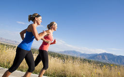 żeńscy joggers zdjęcie royalty free
