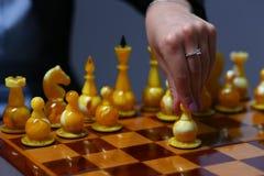 Żeńska ręka trzyma biznesowej kobiety Zdjęcie Royalty Free