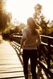 Żeński jogger ćwiczy outdoors obrazy stock
