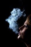 żeński palacz Zdjęcia Royalty Free