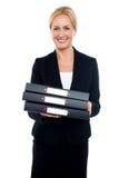 Żeńskie wykonawcze przewożenia biznesu kartoteki Zdjęcie Royalty Free