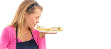 Żeńskiego mienie surowego weganinu zdrowy jedzenie Surowa weganin bania surowy karmowy pojęcie zdjęcia royalty free