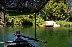 Żeglować Ebro rzeki na promu Obrazy Stock