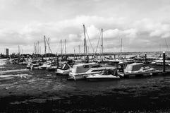 Żeglowanie łodzi schronienie fotografia stock