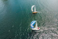Żeglowanie jachtów regatta Seria statki i jachty Fotografia od trutnia fotografia royalty free