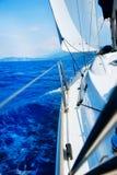 żeglowanie luksusowy jacht Zdjęcia Royalty Free