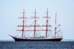 Żeglowanie statek Sedov żegluje folował morze po tym jak finał Wysocy statki Ściga się 2017 w Stettin na (0) Trzebiez Polska, Sie Obrazy Stock