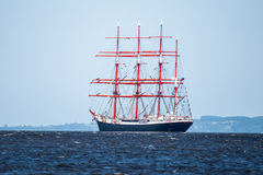 Żeglowanie statek Sedov żegluje folował morze po tym jak finał Wysocy statki Ściga się 2017 w Stettin na (0) Trzebiez Polska, Sie Zdjęcia Stock