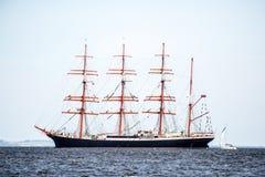 Żeglowanie statek Sedov żegluje folował morze po tym jak finał Wysocy statki Ściga się 2017 w Stettin na (0) Trzebiez Polska, Sie Obraz Stock