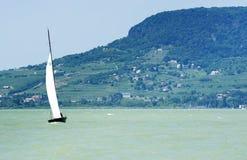 Żeglujący na Jeziornym Balaton, Węgry Fotografia Royalty Free