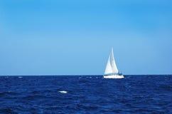 Żegluje łódź zdjęcie stock
