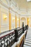 Żelaza grille marmuru schodki w Dużym Gatchina pałac Zdjęcia Royalty Free