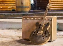 Żelazna gitara i amplifikator CH obraz stock