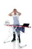 żelaznego laptopu mężczyzna żelazni zaakcentowani potomstwa Fotografia Royalty Free