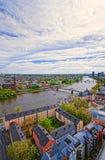 Żelazny most nad Główną rzeką w Frankfurt magistrala - Am - zdjęcia royalty free