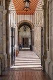 Żelazo zakazujący Hiszpański kolonialny przejście zdjęcia stock