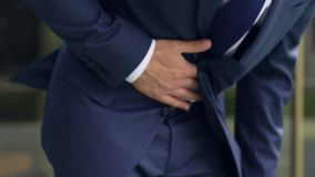 Żołądkowi problemy urzędnik, żołądek obolałość, brzuszny nowotwór, niedożywianie zdjęcie wideo