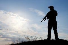Żołnierz przeciw słońcu Obraz Royalty Free