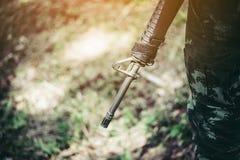 Żołnierze, broni M16 żołnierze M16 i bronie fotografia stock