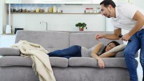Żona śpi z koc zbiory wideo