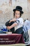 Żydowski młodego człowieka modlenie Zdjęcia Royalty Free