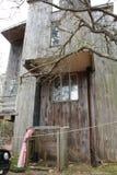 Żywy życie w domek na drzewie na wyspie Obrazy Royalty Free