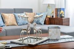 Żywy izbowy dekoracyjny jeleni mały dekoracyjny artykuł obrazy stock