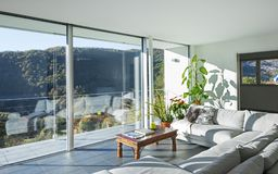 Żywy pokój luksusu dom obrazy royalty free