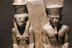 Άγαλμα βασίλισσας και βασιλιάδων στο μουσείο Luxor στην Αίγυπτο Στοκ φωτογραφίες με δικαίωμα ελεύθερης χρήσης