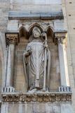 Άγαλμα ιερέων στην πύλη του ST Anne στη δυτική πρόσοψη του αριθ. Στοκ Εικόνες