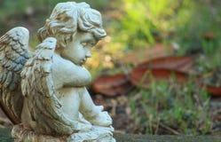 Άγαλμα κήπων αγγέλου Στοκ φωτογραφία με δικαίωμα ελεύθερης χρήσης