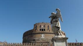 Άγαλμα και Sant'Angelo Castle στη Ρώμη Στοκ Εικόνες