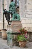 Άγαλμα λιονταριών μπροστά από την κατοικία 3 Στοκ Εικόνες