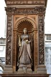 Άγαλμα μιας βασίλισσας στο κέντρο του Λονδίνου στοκ εικόνες