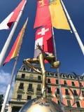 Άγαλμα μπροστά από το Palais Wilson στοκ εικόνα