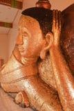 άγαλμα ξαπλώματος του Βούδα Στοκ Φωτογραφίες