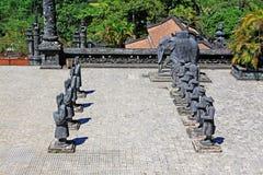 Άγαλμα στον αυτοκρατορικό τάφο Khai Dinh, περιοχή παγκόσμιων κληρονομιών της ΟΥΝΕΣΚΟ του Βιετνάμ χρώματος Στοκ Εικόνες