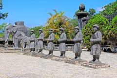 Άγαλμα στον αυτοκρατορικό τάφο Khai Dinh, περιοχή παγκόσμιων κληρονομιών της ΟΥΝΕΣΚΟ του Βιετνάμ χρώματος Στοκ Φωτογραφία