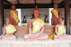Άγαλμα του Βούδα σε Wat Phra Mahathat Στοκ Φωτογραφία