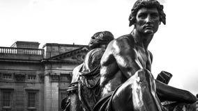 Άγαλμα χαλκού επιστήμης και τέχνης Στοκ Εικόνες