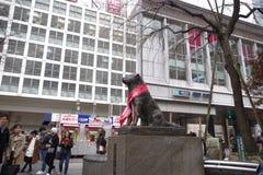 Άγαλμα χαλκού Hachiko πλησίον στο σταθμό Shibuya Στοκ Εικόνες